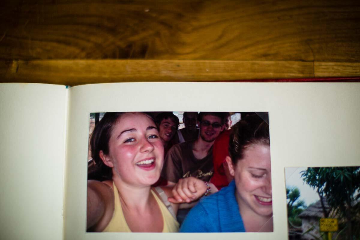 charlotte giddings selfie with friends meet in ghana when sat in a tro tro